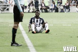 Otra vez el 'coco' albiazul; Avilés Hurtado falló penal y Monterrey alcanzó solo un empate