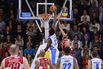 Legabasket Serie A, che pettinata per Milano: Sassari vince 90-69 al PalaSerradimigni