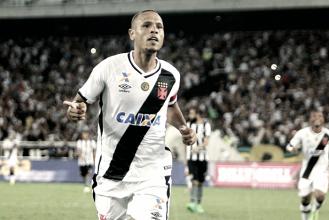 Luis Fabiano desencanta, faz seu primeiro gol pelo Vasco e agradece por passe de Manga Escobar