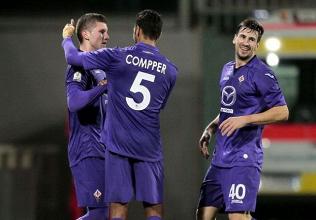 Rebic e Compper sulla destra dopo l'unico gol Viola dell'attaccante