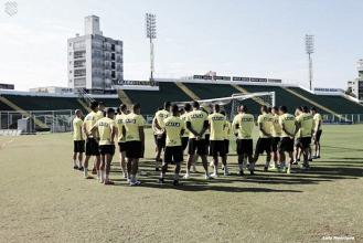 Em momentos ruins, Figueirense encara Juventude buscando sair do rebaixamento