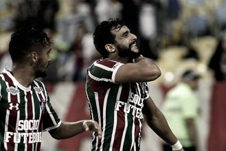 Henrique Dourado e Gustavo Scarpa decidem, Fluminense bate Atlético-MG e encosta no G-6