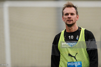 De Jong, Riviere on brink of Newcastle exit