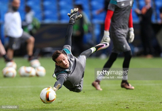 Danny Ward says Liverpool's goalkeeping battle will help give the club the best possible shot-stopper