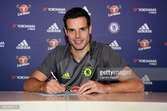 Cesar Azpilicueta signs new Chelsea contract