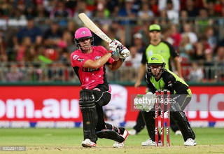 Sixers get Big Bash underway with dominant victory over the Thunder in the Sydney Smash