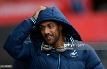 Winger Wayne Routledge signs new Swansea City contract