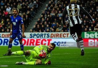 Burnley sign goalkeeper Adam Legzdins from Birmingham