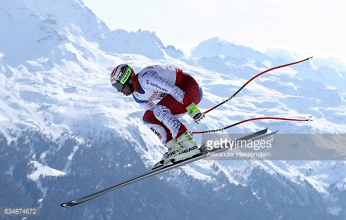 Feuz and Stuhec live up to favourite tags, claiming Downhill World Championship golds