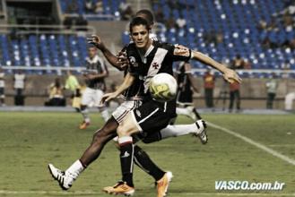 Vasco anuncia volta de Anderson Martins por três temporadas