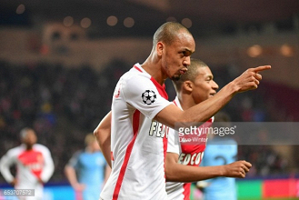 """Fabinho admits that Manchester United is a """"tempting invitation"""""""