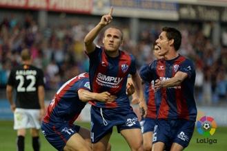 SD Huesca midfielder Samuel Sáiz close to securing Leeds United move