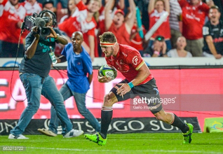 Super Rugby week six: Kiwis dominate trans-Tasman battle, while Lions strike late to stun Sharks