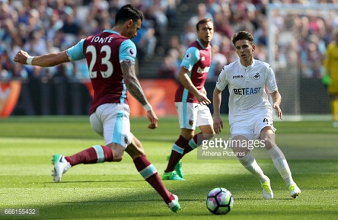 "José Fonte insists West Ham need to ""look up"" the league table ahead of Everton clash"