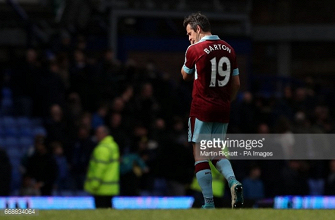 Joey Barton and Michael Kightly released by Burnley