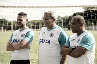 """Hélio dos Anjos elogia atuação do Goiás na Copa do Brasil: """"Feliz demais com a performance"""""""