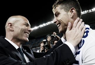 Por telefone, Zidane tenta convencer Cristiano Ronaldo a permanecer no Real Madrid