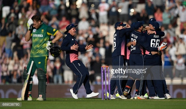 England vs South Africa - 2nd ODI: Mark Wood holds his nerve as the hosts claim series win