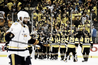 Stanley Cup Final: Pittsburgh Penguins late flurry sees off Nashville Predators in Game 2