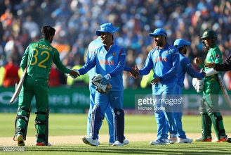 India vs Pakistan: Strong Indians crush Green Shirts to get off to a perfect start in group B