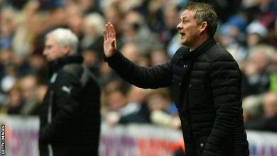 Cardiff City v Stoke City- Solskjaer defends Gunnarsson
