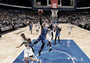 Com mais um triplo-duplo de Westbrook, Thunder vence Magic de virada na prorrogação