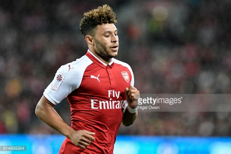 Arsène Wenger says Liverpool target Alex Oxlade-Chamberlain will not leave Arsenal this summer