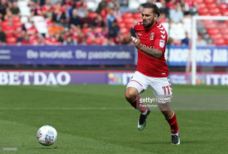 Sheffield United complete signing of Charlton Athletic winger Ricky Holmes