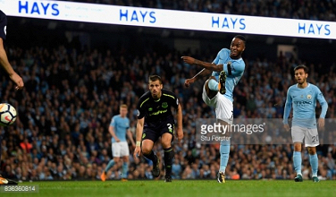 Manchester City 1-1 Everton: Sterling saves 10-man City as resilient Toffees lose lead late on