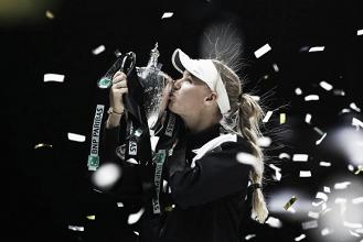 Caroline Wozniacki vence Venus Williams e conquista primeiro WTA Finals da carreira