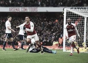 Com gols polêmicos, Arsenal vence North LondonDerby e afasta Tottenham da liderança