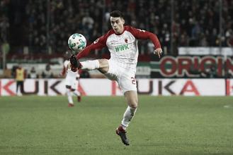 Stuttgart volta a movimentar setor ofensivo e anuncia contratação de Erik Thommy, ex-Augsburg