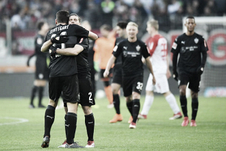 Com gol de Mario Gómez, Stuttgart surpreende Augsburg e vence primeira fora de casa