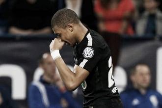 Mbappé marca duas vezes, Paris Saint-Germain supera Caen e avança à final da Copa da França