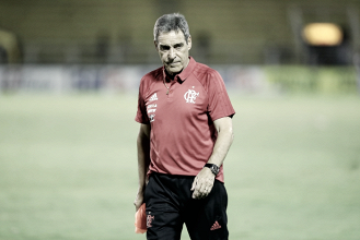 Carpegiani elogia comprometimento dos jovens após vitória do Flamengo