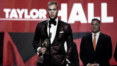 Hall y Las Vegas fueron los grandes protagonistas de los NHL Awards