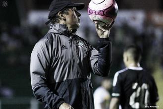 """Milton Cruz projeta preparação para clássico contra o Avaí: """"Estudar bastante"""""""