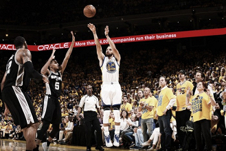 Durant e Curry brilham, Warriors conseguem virada sobre Spurs e saem na frente na final do Oeste