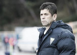 """Novo técnico do Atlético-PR, Fabiano Soares fala sobre técnicos brasileiros: """"Paramos no tempo"""""""