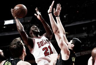 Liderados por Jimmy Butler, Bulls conseguem virada no último período e vencem Hawks