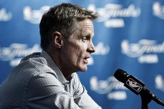 """Steve Kerr lamenta derrota para os Cavaliers: """"Não conseguimos ter uma defesa forte"""""""