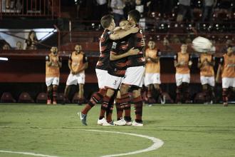 Atlético-GO supera Ponte Preta em confronto direto e cola no G-4