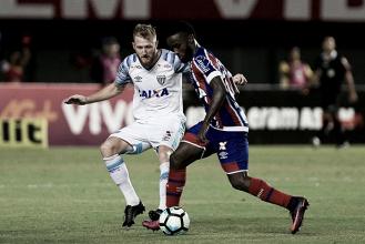 Pressionado, Avaí enfrenta Bahia em jogo decisivo na luta contra rebaixamento