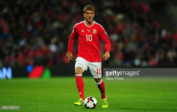 Ipswich close in on Emyr Huws signing