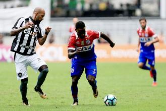 Botafogo vence Bahia fora de casa e se aproxima mais do G-6