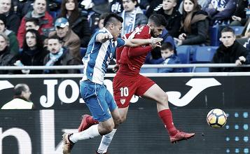 Ever Banega la temporada pasada contra RCD Espanyol | Foto: Sevilla FC