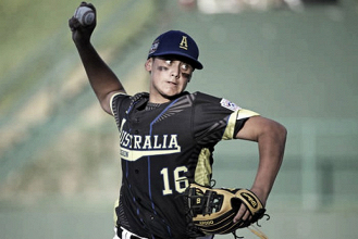 2016 Little League World Series: Australia stays alive with 2-1 victory over Caribbean