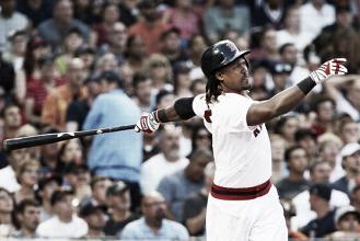 Hanley Ramirez hits 3 home runs, leads Boston Red Sox over San Francisco Giants 11-7