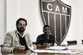 Destaque na ausência dos mais experientes, jovem zagueiro Bremer renova com Atlético-MG