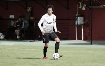 Goiás anuncia contratação do jovem lateral-esquerdo Breno, ex-Brasil de Pelotas